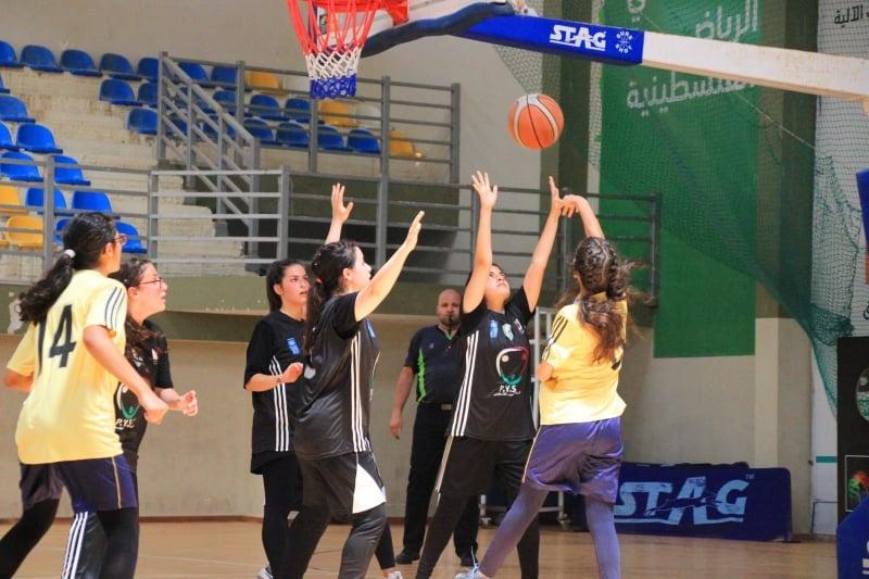 """كرة السلة.. فتيات جمعية الشبان المسيحية وغزة الرياضي يتفوقن على"""" تشامبيونز"""" وأكاديمية النجوم"""