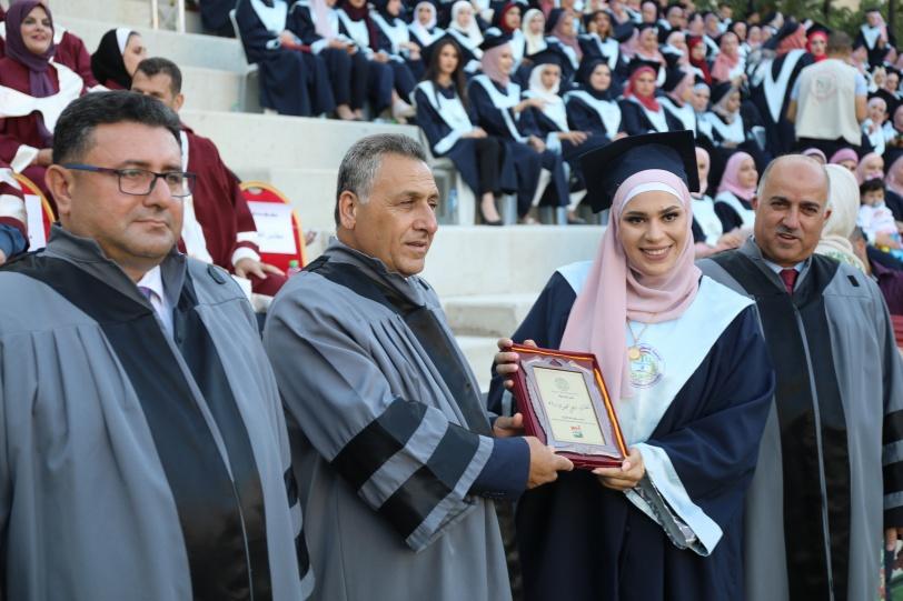 """""""خضوري"""" تحتفل بتخريج الفوجين الثالث والرابع لفرع الجامعة في رام الله"""