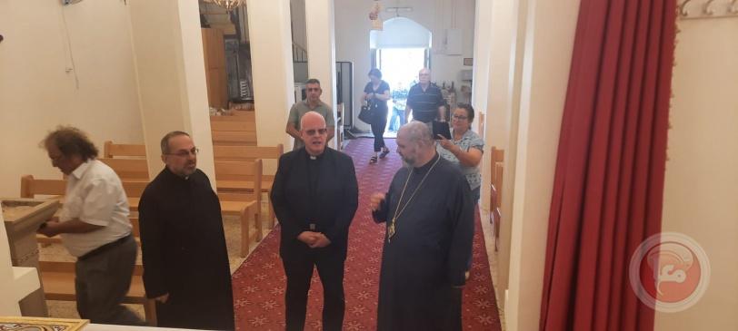 ممثل الفاتيكان يزور اقرت وبرعم
