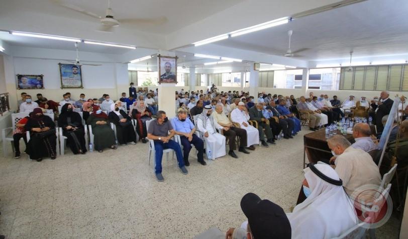عائلة الأغا تنظم ندوة تضامنية مع الأسرى في سجون الاحتلال