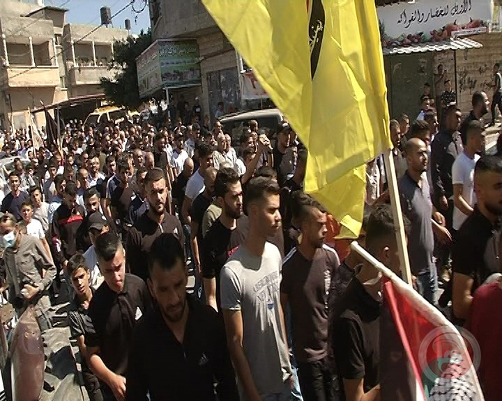 صور- الآلاف يشيّعون شهيد برقين