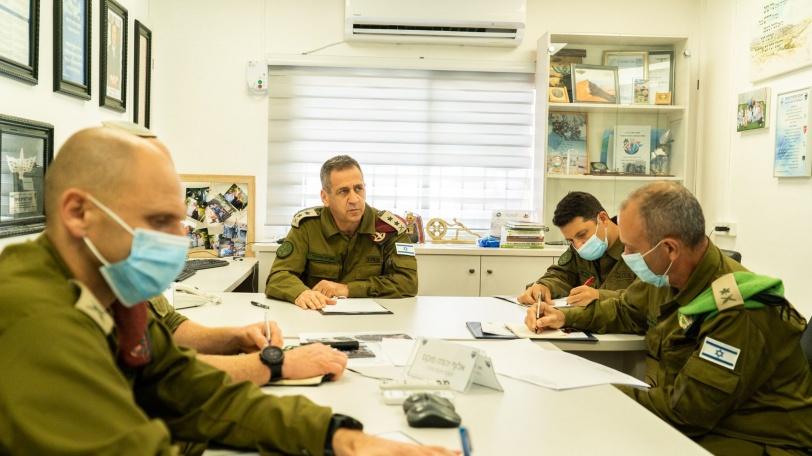 كوخافي يدعي: منعنا هجمات كبيرة كانت ستمتد إلى القدس وتل أبيب