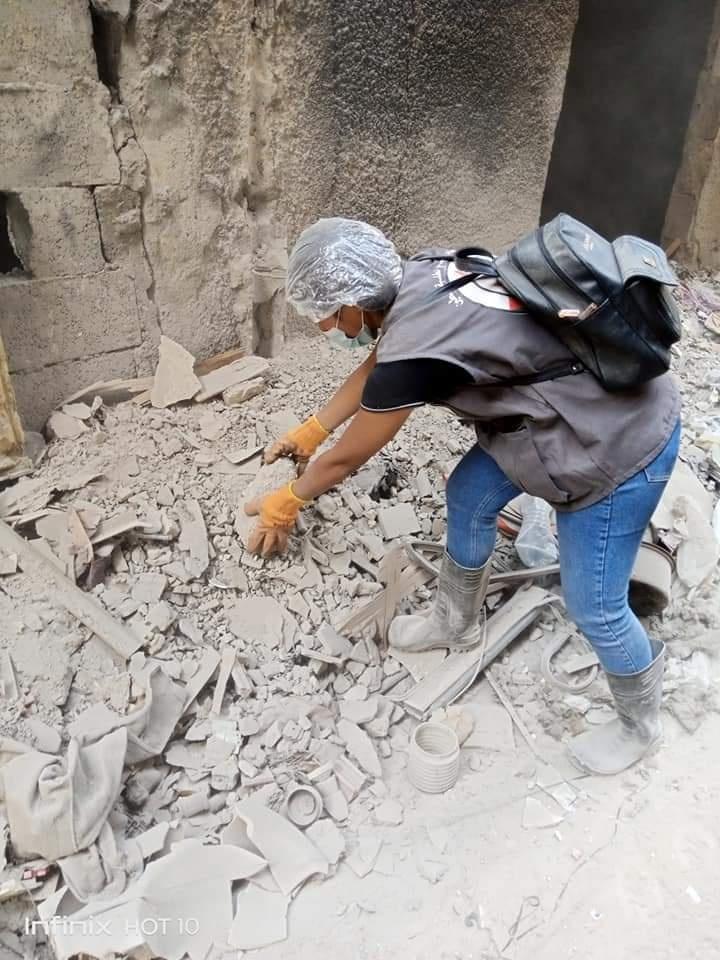 السفير عبد الهادي يتفقد مخيم اليرموك ويتطلع على أعمال إزالة الركام