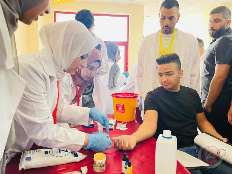 افتتاح يوم طبي توعوي في جامعة بوليتكنك فلسطين