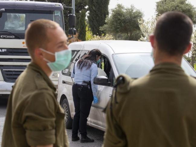 إسرائيل تغلق الطرق الرئيسية بين المدن في الضفة الغربية