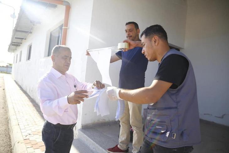 بلدية قلقيلية توفر إجراءات الامن والسلامة على المعبر الشمالي تمهيدا لدخول العمال