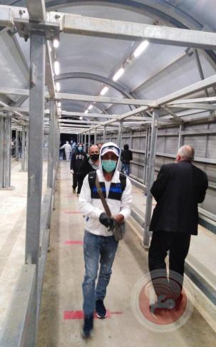 اسرائيل: 10 آلاف عامل فلسطيني عادوا إلى أماكن عملهم