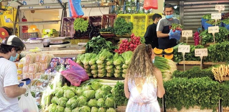 إسرائيل: انخفاض كبير بعدد إصابات وفحوصات كورونا