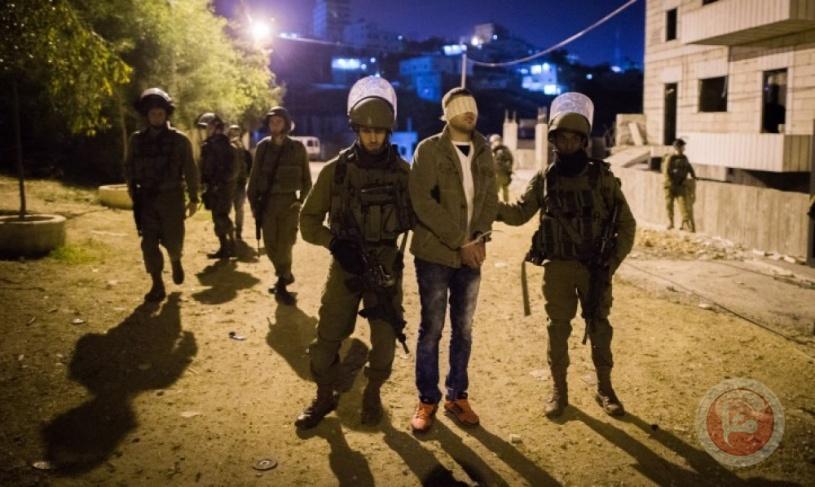 قوات الاحتلال تعتقل شابين جنوب أريحا