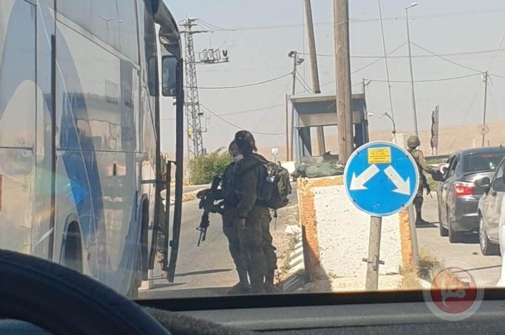 صور- الاحتلال يحتجز الحافلات المتوجهة إلى مهرجان أريحا