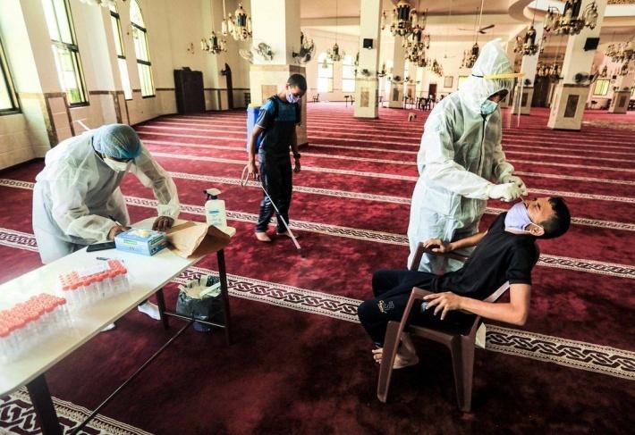 الأوقاف بغزة تغلق مسجدا وتعيد افتتاح مسجد آخر
