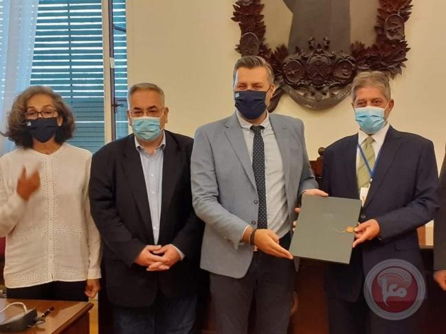 السفير طوباسي يلتقي لجنة الصداقة مع فلسطين بالبرلمان اليوناني