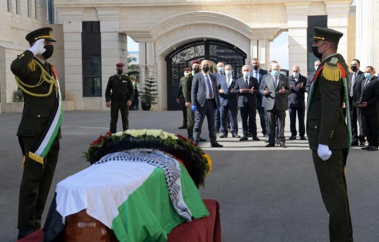 فيديو وصور- جنازة الدكتور صائب عريقات