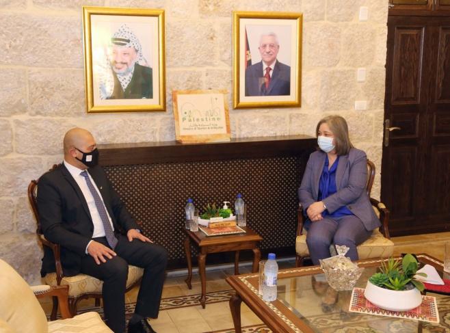 فلسطين وقبرص تبحثان افاق التعاون في المجال السياحي لما بعد جائحة كورونا