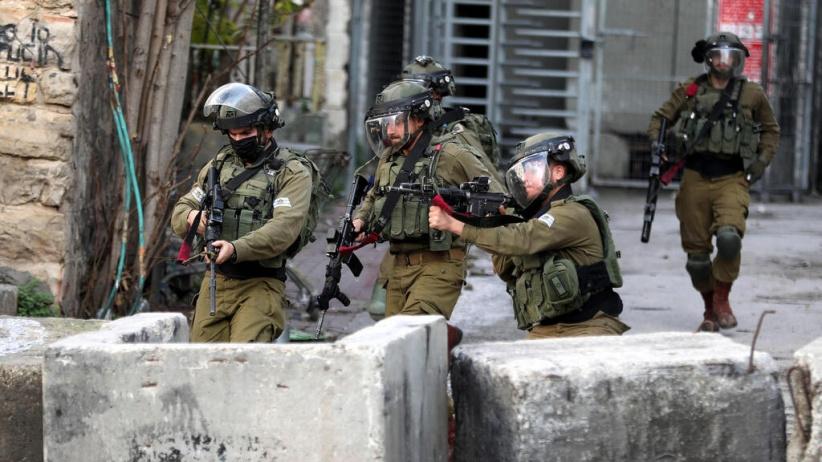 طوباس: اصابة احد ضباط المخابرات العامة برصاص جيش الاحتلال