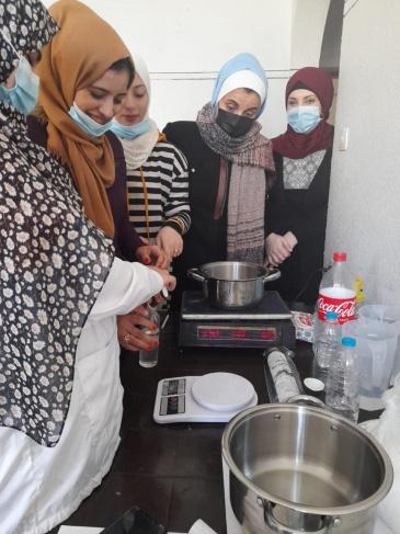 الإغاثة الزراعية تعقد دورة تدريبية لتحضير مستحضرات التجميل