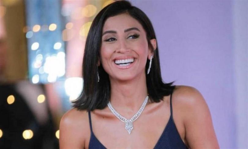 دينا الشربيني في بيروت متجاهلة أخبار انفصالها عن عمرو دياب