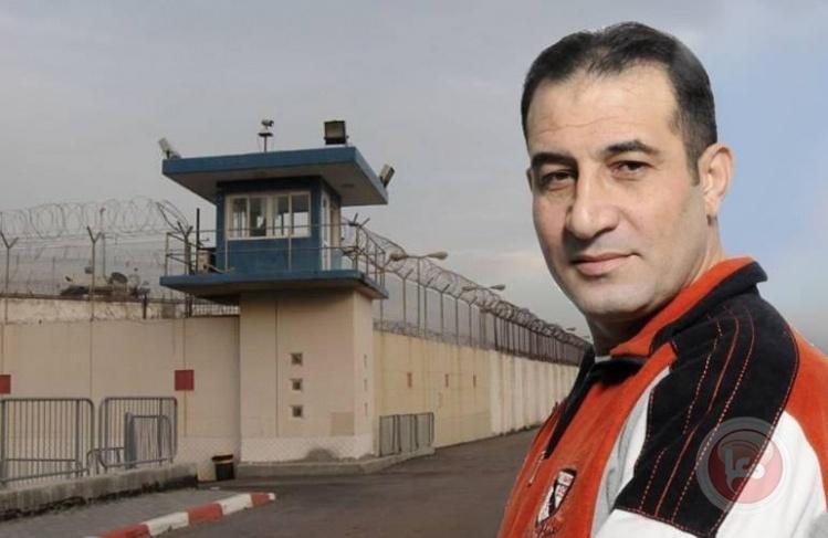 الأسير نضال البرعي ينهى 25 عاما من الاعتقال