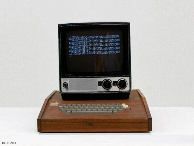 كمبيوتر أبل أصلي عمره 45 عاما للبيع بـ 1.5 مليون دولار
