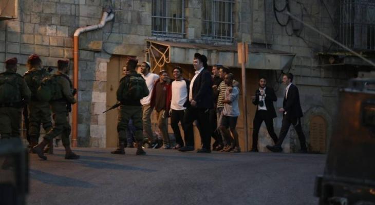 مستوطنون يهاجمون مواطنين في حي جابر بالخليل