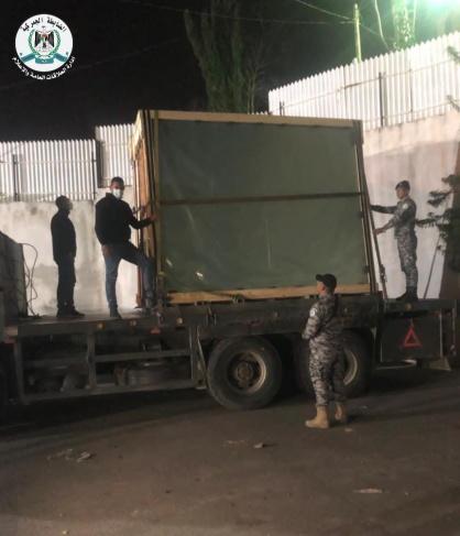 ضبط شاحنة زجاج خام مهرب من مستوطنة أرئيل
