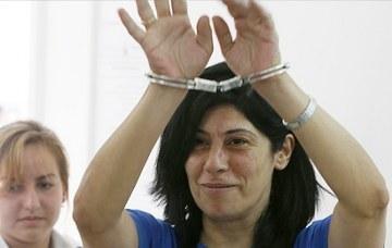 لإلقاء نظرة الوداع الأخيرة على ابنتها: جهود قانونية ومؤسساتية للإفراج عن الأسيرة خالدة جرار