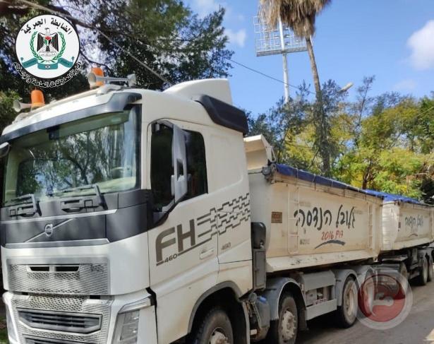 قلقيلية: ضبط شاحنة محملة بالنفايات قادمة من إسرائيل
