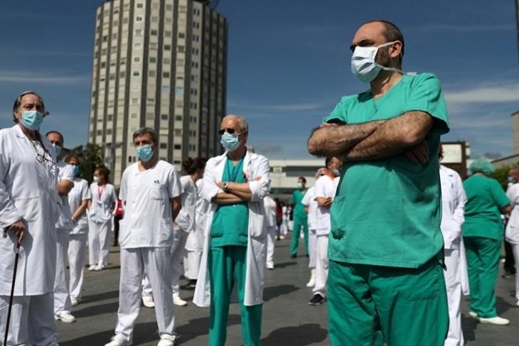 مدن أوروبية تشارك في دقيقة صمت حدادا على ضحايا كورونا
