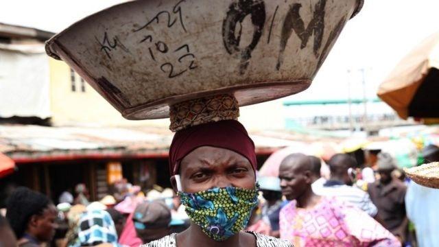 الأخطر في العالم.. العلماء يكتشفون سلالة جديدة لكورونا في دولة أفريقية