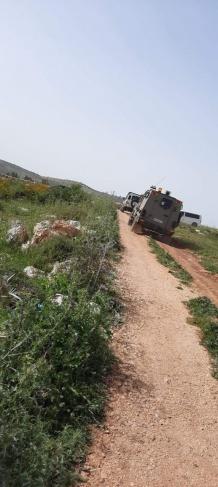 الاحتلال يصور أراض ومنشآت غرب سلفيت