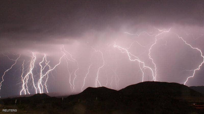 عواصف مميتة تضرب الساحل الجنوبي الشرقي للولايات المتحدة