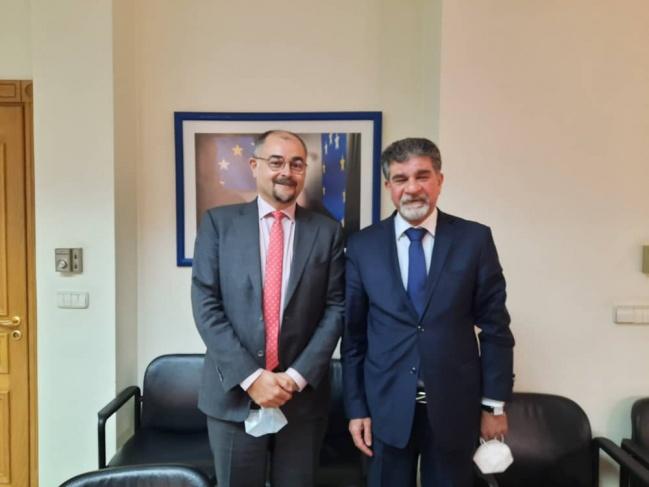 السفير عبد الهادي يطلع القائم بأعمال بعثة الاتحاد الأوروبي إلى سوريا على آخر المستجدات