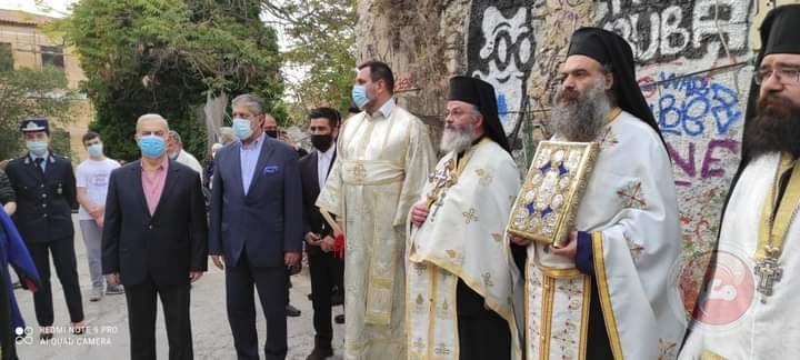 السفير طوباسي يشارك باستقبال وصول النور الى اثينا القادم من القدس