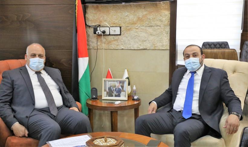 النائب العام يبحث تعزيز التعاون المشترك مع وزير العمل