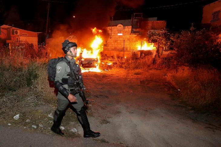 اصابة مواطن في اعتداء للمستوطنين على مواطنين بحي الشيخ جراح