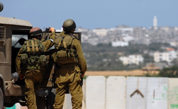 الاحتلال يعتقل فلسطينيا اجتاز حدود غزة