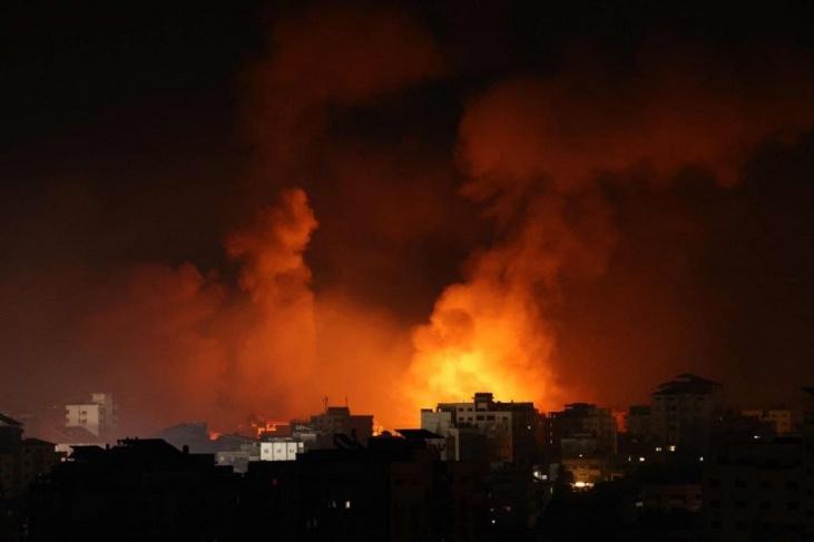 بدعوى الرد على بالونات حارقة.. الاحتلال يقصف مواقع للمقاومة بغزة