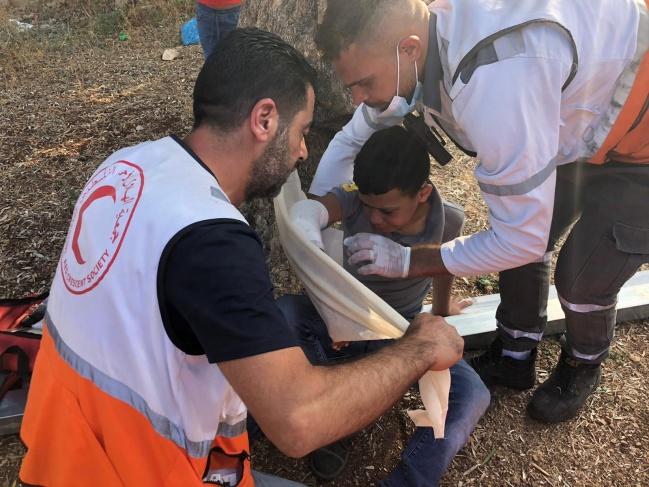 إصابة طفل بجروح والعشرات بالاختناق بمواجهات كفر قدوم
