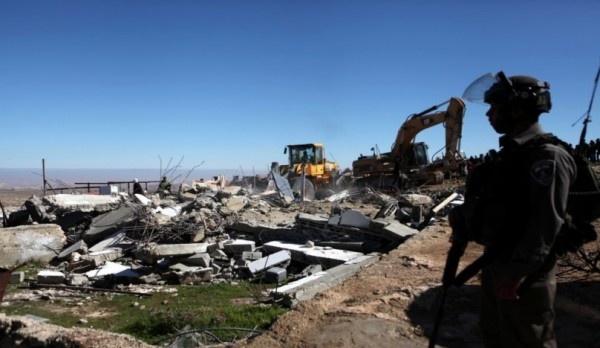 الاحتلال يهدم 10 منشآت سكنية في معرجات أريحا