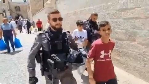 اعتقال 6 شبان وإبعاد سيدة عن الأقصى