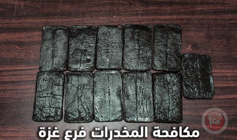 شرطة مكافحة المخدرات بغزة تضبط 11فرش حشيش