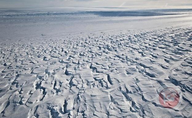الجرف الجليدي في القارة القطبية الجنوبية يتمزق