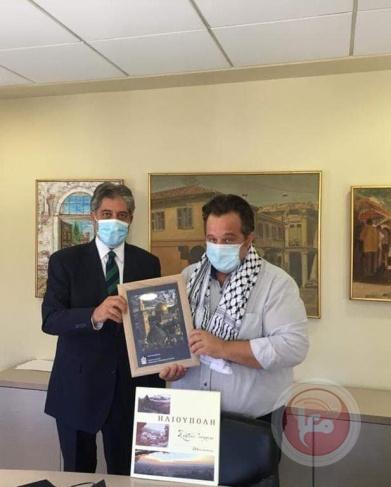 السفير طوباسي يلتقي مسوؤلين بالخارجية اليونانية ورئيس بلدية اليوبوليس