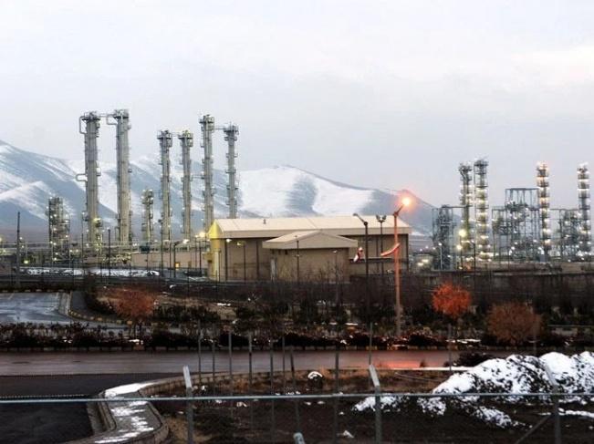 صحيفة عبرية: إسرائيل بدأت استعدادات عملية لمهاجمة منشآت إيران النووية