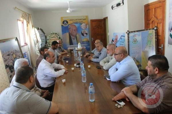 وفد قيادي من حماس يزور مكتب الجبهة الشعبية- القيادة العامة بغزة