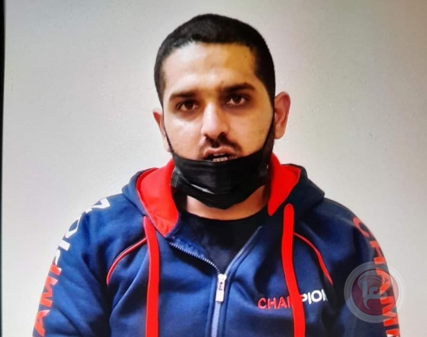 بعد اعتقال 3 من أفراد عائلته – مطارد يسلم نفسه للاحتلال في بيت لحم