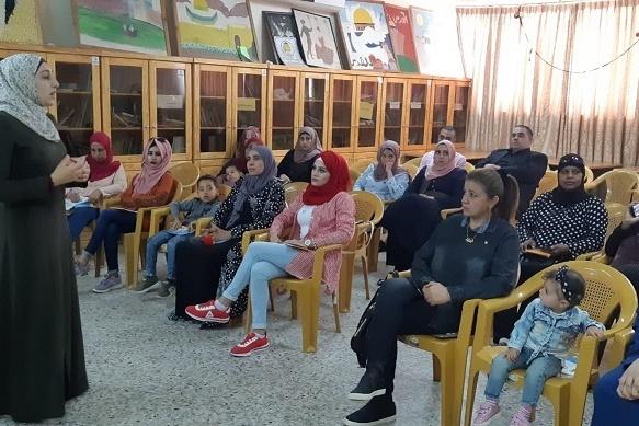 كهرباء القدس تنظم ورشة توعوية لربات البيوت حول ترشيد الكهرباء