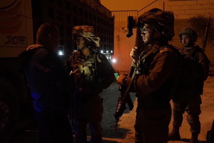 حملة اعتقالات واسعة ومواجهات في قرية فصايل