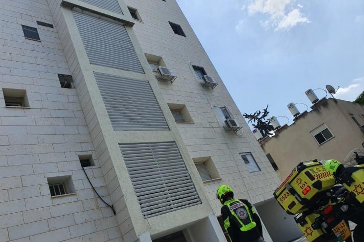 مصرع عامل سقط من الطابق الخامس