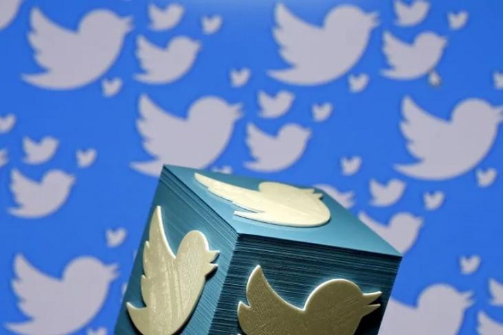 تويتر يوقف حسابات حماس وقناة المنار